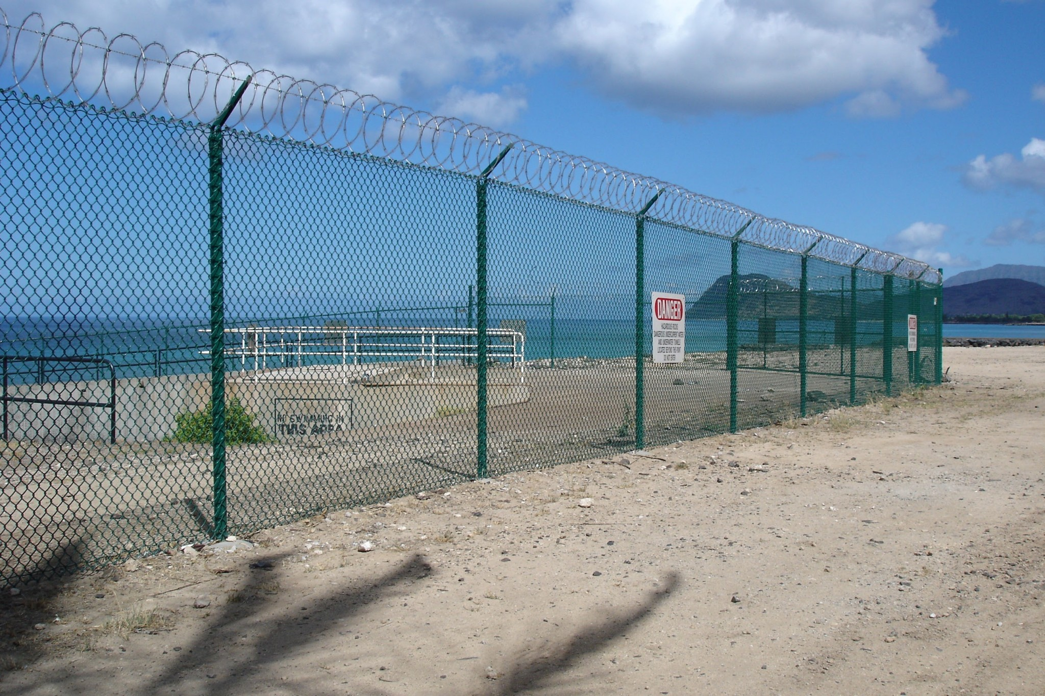 Hawaii Chain Link Fence Barbed Wire - Allied Security Fence