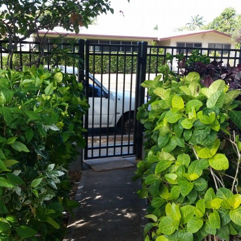 Oahu Gate Entry Fence