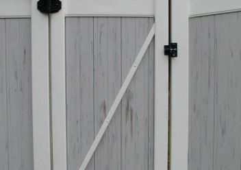 Vinyl Entry Gate